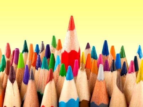 選擇班服廠商的注意事項-是否願意提供班服字體與配色供挑選