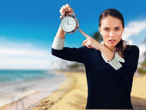 選擇班服廠商的注意事項-是否能配合同學時間提供班服稿件